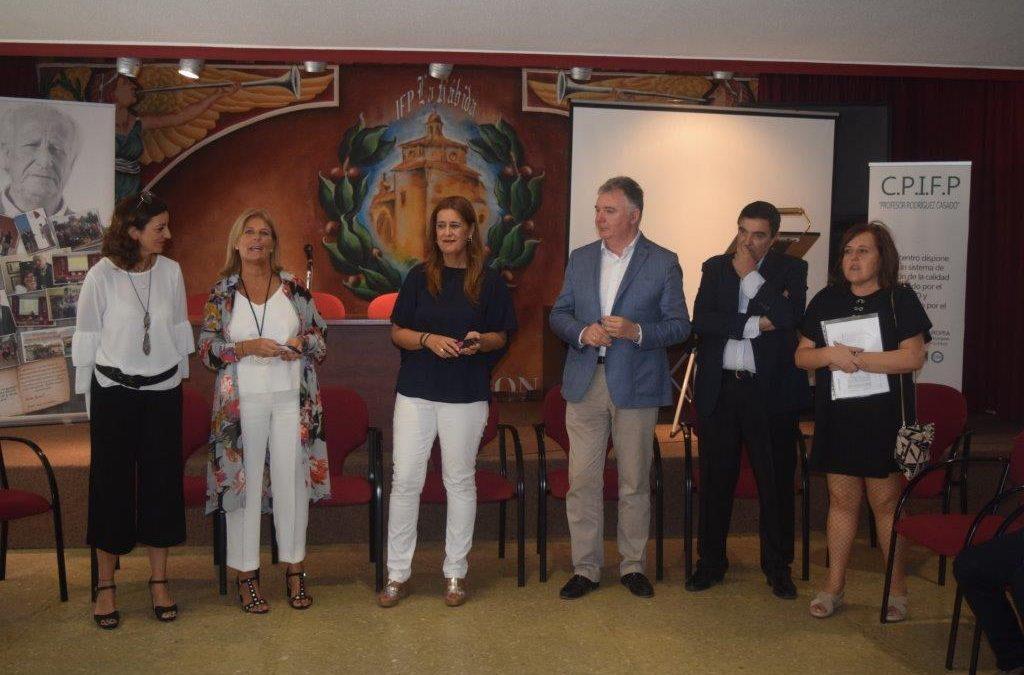 Visita al Centro de la Consejera de Educación y el Delegado de Educación de Huelva